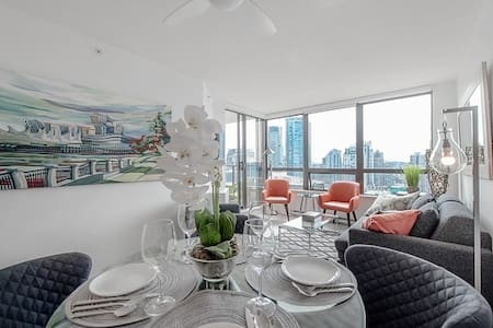 High End Central Downtown Oasis & Unbeatable Views - Vancouver