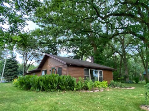 2 bedroom cabin with views of the Rock River