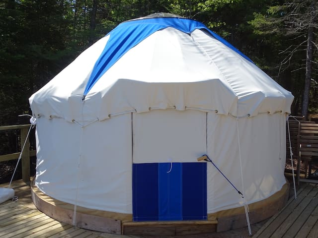 Private forest yurt with gorgeous water views