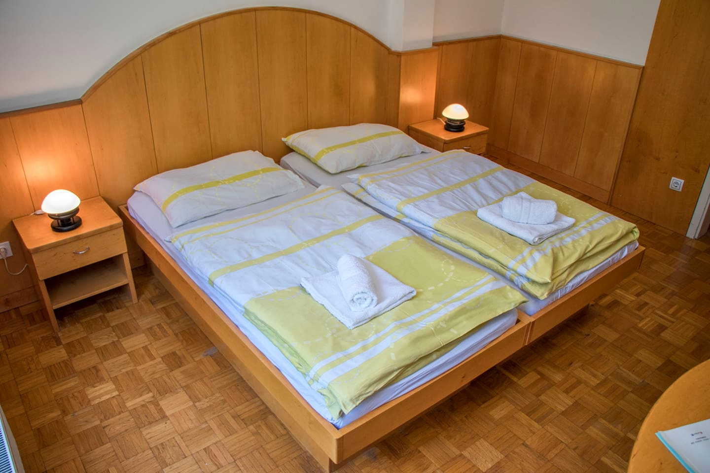 Double room no. 11 with park view and private bathroom