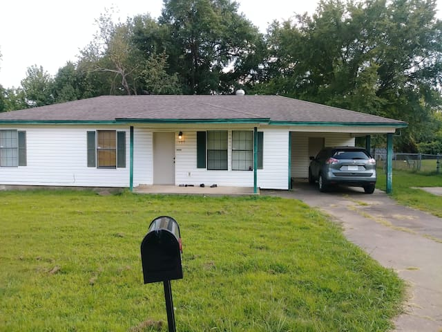 1 Bdrm in Roland (close to Fort Smith, AR)  4 LE$$