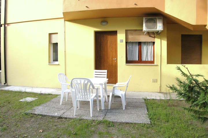 Sundrenched holiday house,250 m far from the beach in Rosolina Mare, near Venice