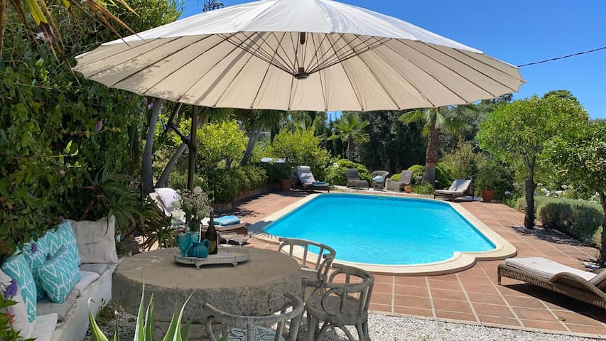 Cassita in beautiful area with use of pool