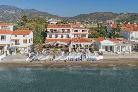 Potokaki Beachfront Hotel - Seaview Studio