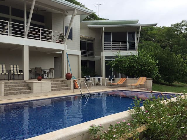 LOMA LINDA - CONCHAL, FLAMINGO & TAMARINDO BEACHES - Santa Cruz - House