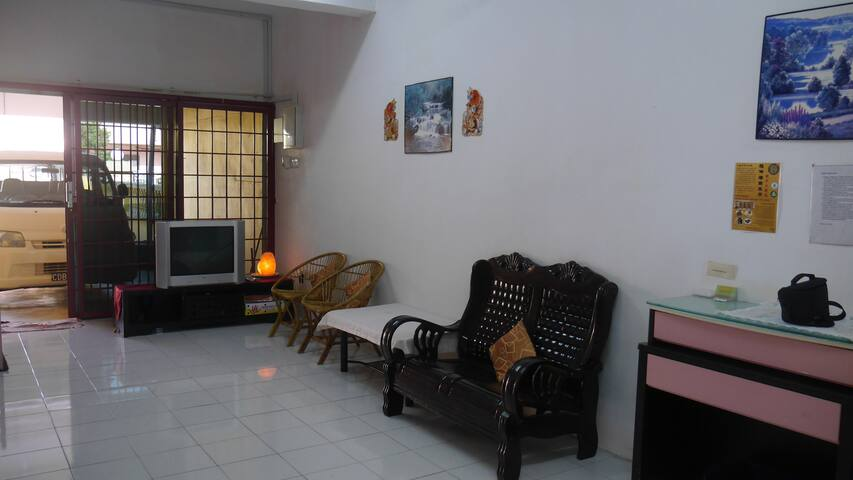 Common area, living room.