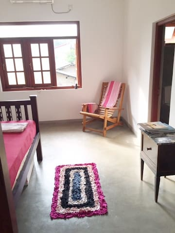 Nice double room with bathroom - Ahungalla - Bed & Breakfast