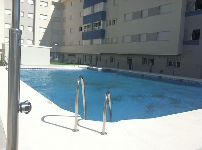 Piso de verano con piscina - San Fernando - Andere