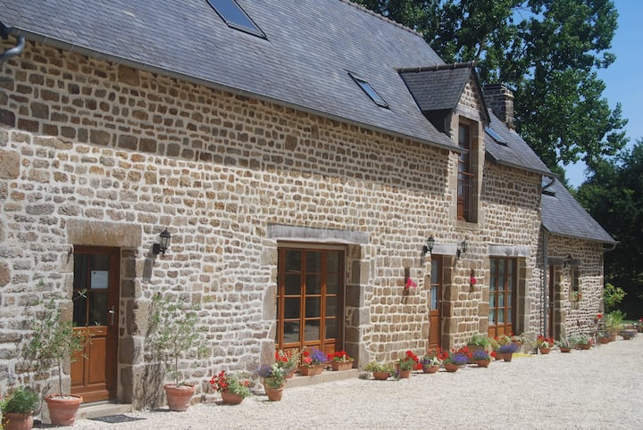 Le Trou Normand - luxury cottage with indoor pool