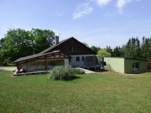 Gîte Lauberoye, piscine intérieure privée & étang