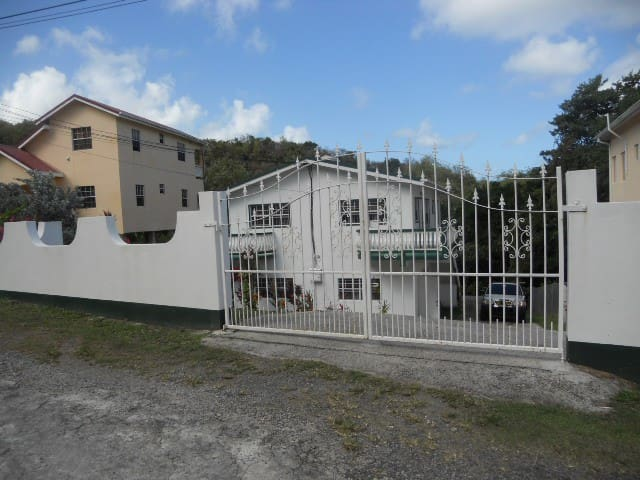 J & J St.Hill apartment - Rodney Bay - Appartement