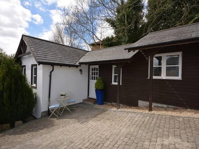 2 Sunnyside Cottage St Athan