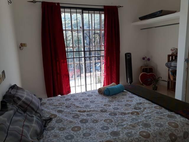 Acogedora/amplia habitación, centro Palenque.