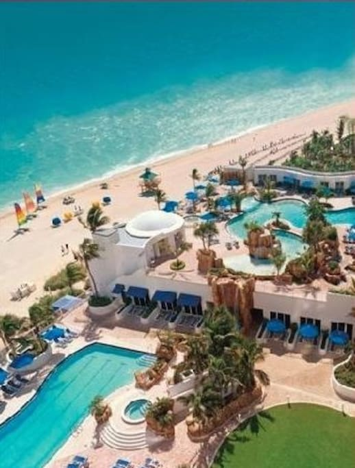 It has panoramic views of the Atlantic Ocean and intercostal waterways