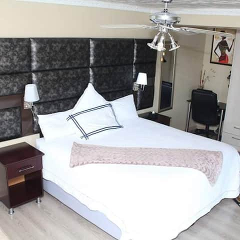 Private en-suite bedrooms with kitchenette