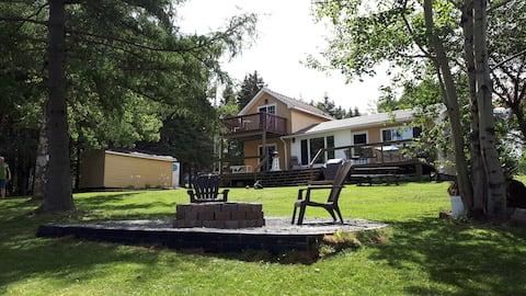 Quiet cozy 2 Bedroom waterfront cottage in Bayhead