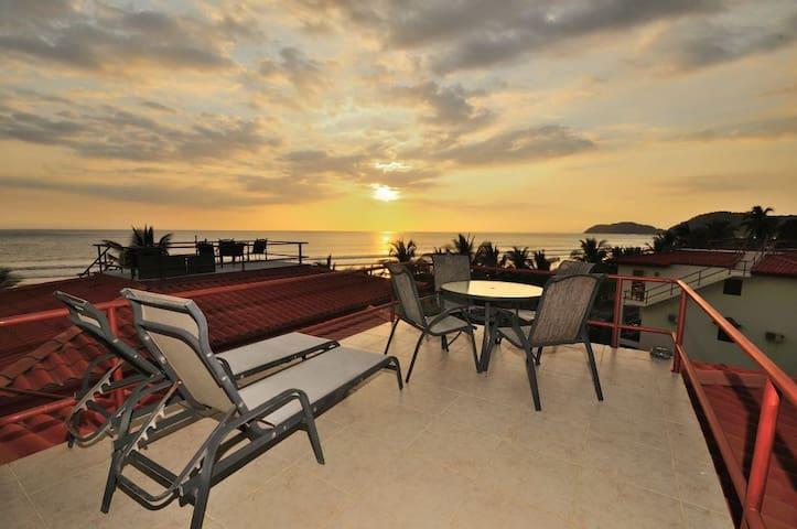 PURA VIDA PENTHOUSE; BEST CONDO IN BAHIA AZUL!!! - Jacó - Apto. en complejo residencial