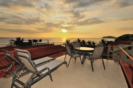 Beachfront Condo, Best View in Jaco - Jacó