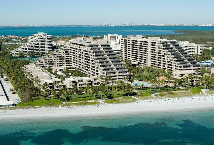 Beach front island vacation home - Key Biscayne - Apartemen