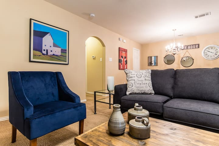 3 Bedroom House- Dallas Stay...