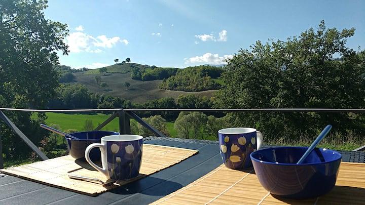 Casina dei Tordi amazing view of Le Marche hills