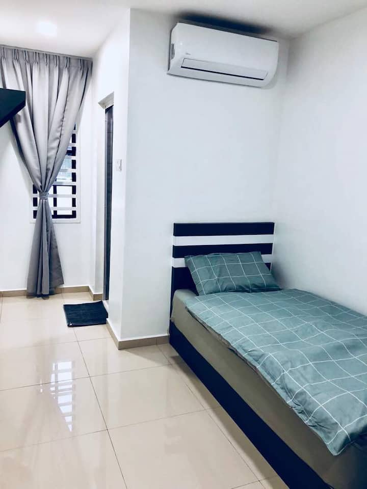 New Modern Single Room BB W-INN Homestay Kuantan