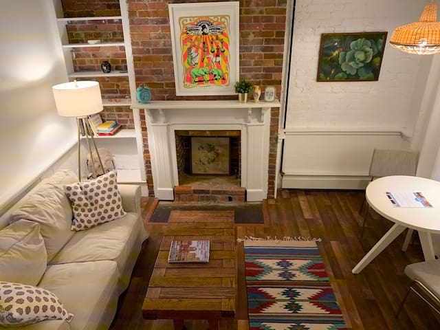 Historic Brownstone Apartment Steps from Beach