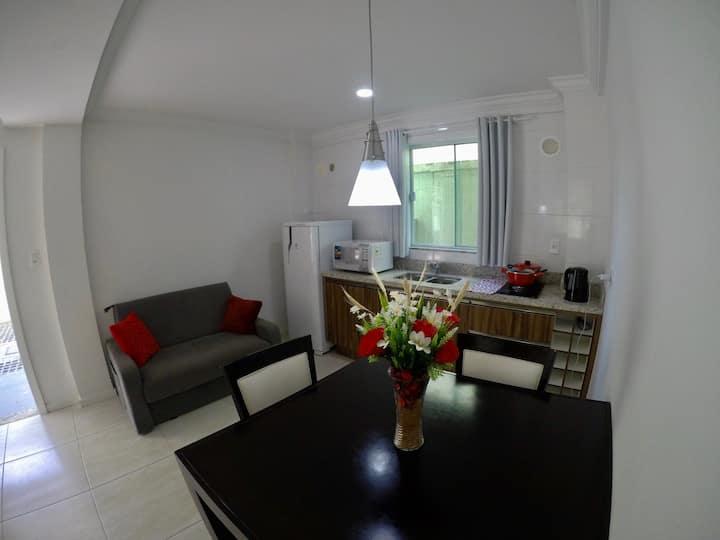 Apartamento para até 5 P. | 300 metros da praia