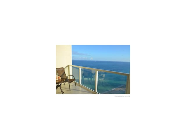 Ocean Direct Endless View 007 - Sunny Isles Beach