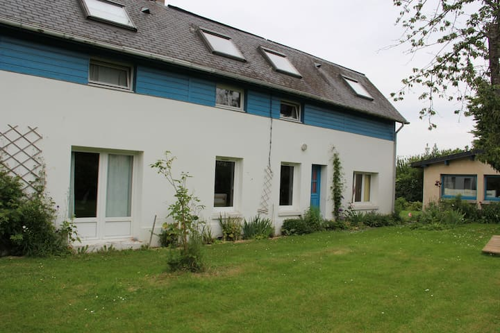Maison au calme avec grand jardin à 10 mn de Rouen - Saint-Jean-du-Cardonnay - บ้าน