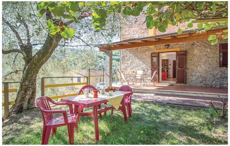 Holiday cottage with 2 bedrooms on 65 m² in Casanova Lerrone SV