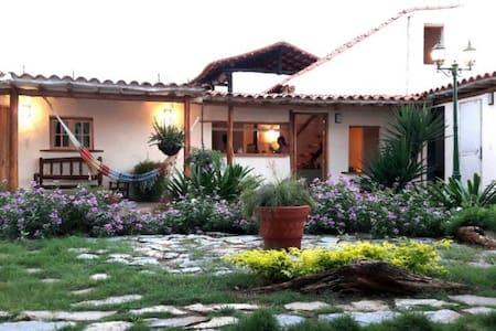 Chalet independiente en propiedad mayor(Margarita)