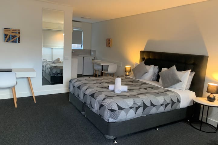 Deluxe King Room at Coastal Motel