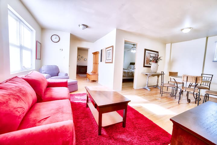 Exclusive 2BR Coach House by NU w/Netflix & Yard
