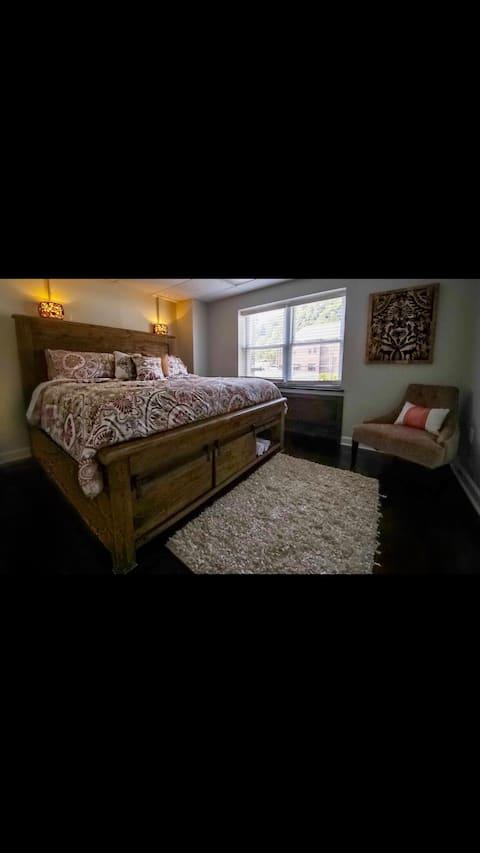 Boone Trace Inn,  Boone's Bedroom #7