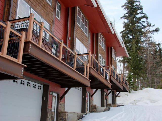 Schweitzer Mt Ski and Snowboard Getaway