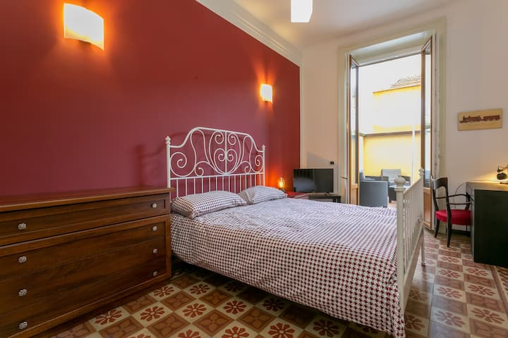 Single room with double bed and Terrace