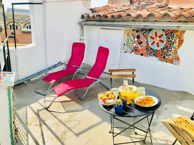 Charmant studio terrasse au coeur du Panier