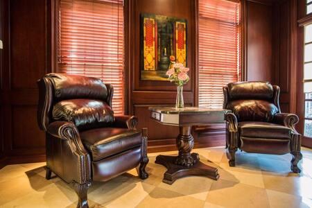 Luxury Villas near Los Angeles Golf Course - Covina