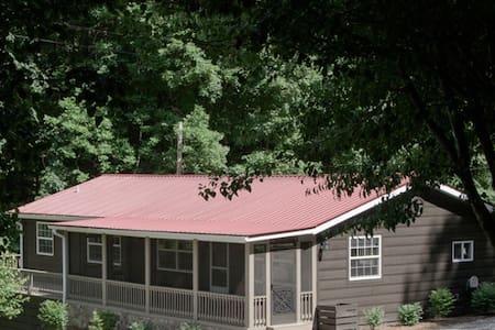 Creekside Cottage on Phillips Creek - Andrews - Hytte