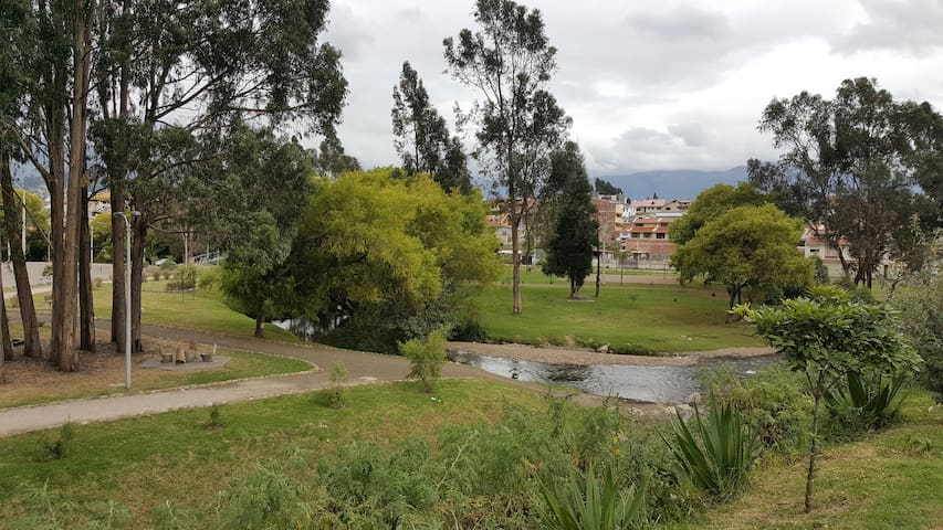 WELCOME, NEAR THE RIVER, GREEN SPACES, SPORTS - Cuenca - Hus