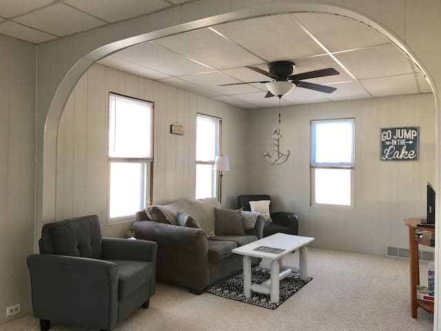 Spacious Living Room to relax. Love seat and 2 comfy chairs