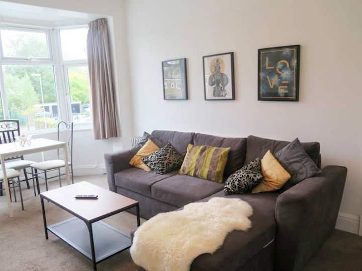 Two double bedroom apartment on Burton Road, Dids
