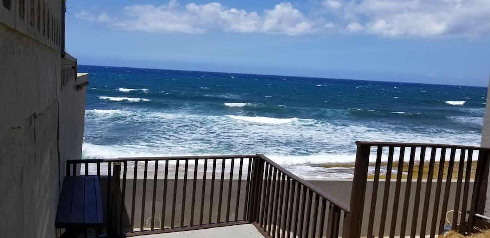 Ocean front Dorado, Kikita Beach Apartments 2B