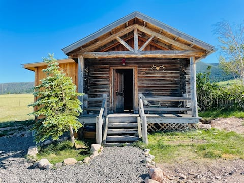 Outlaw Hill Luxury Cabin