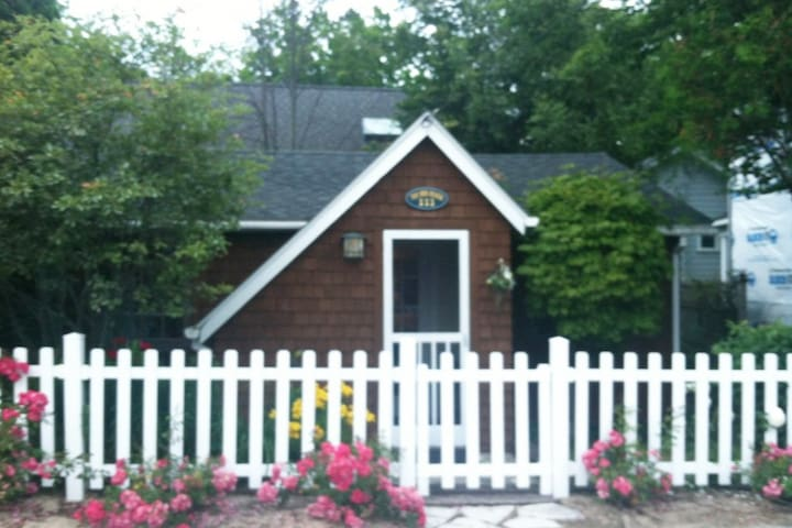 Bungalow just steps from the beach!