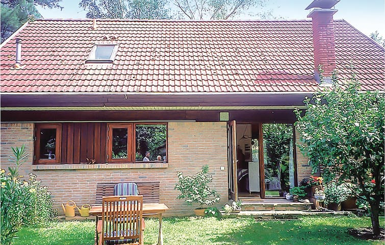 Holiday cottage with 2 bedrooms on 145m² in Erkner