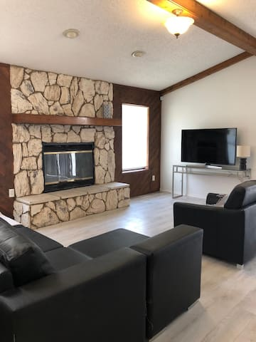 Cozy house in Artesia with a home theater!