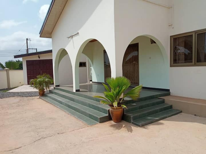 Luxury 3 Bedroom Ensuite House Located in Accra