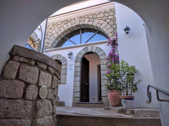 Bilocale Sinfonia 5 posti letto in antico Borgo - Serrara Fontana - Appartement